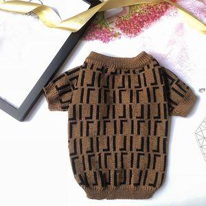 Fashion Designer Dog maglione per piccoli cani medi lettere stampa cane vestiti per bulldog francese cappotto invernale pug puppy maglione A03 LJ201201