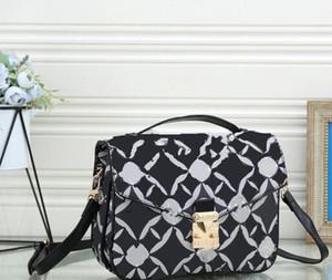 Sıcak Satıcı Moda Satchel Tasarımcı Omuz Çantası Premium PU Zincir Çanta Lüks Crossbody Çanta Bayan Tote Çantalar