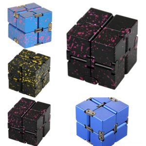 nGFHM Sterling Decompression Silver Rubik's Infinite Cube Cube Smart Pendant Necklace Novelty Female Korean Fashion Compact