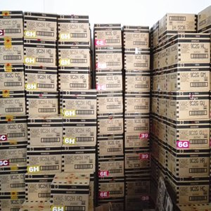 Ruedas calientes Diecast Metal Mini Modelo Brinquedos 1-72pcs / Caja Hotwheels Toy Coche Juguetes para niños Cumpleaños 1:43 Regalo