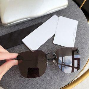 BB0112SA نظارات شمس جديد لنمط المرأة أزياء شعبية الصيف مع الأحجار أعلى جودة UV400 حماية عدسة تأتي مع حالة صندوق 0112SA