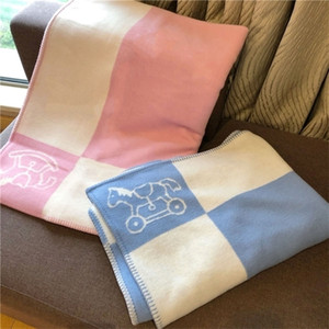 2020 New Infant Woolen Blanket With Cut Horse Pattern Pink&Blue Thick Thermal Bedding Blankets * LJ201208