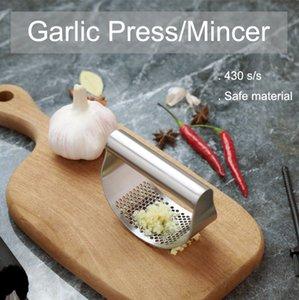 Garlic Press Rocker Stainless Steel Garlic Mincer Crusher Sturdy stainless steel Ginger Mincer for kitchen cooking