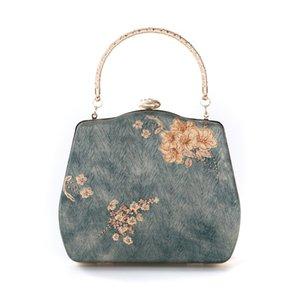 Dinner bag new Chinese pure handmade national wind silk evening bag hand-held Han suit wind cheongsam bag