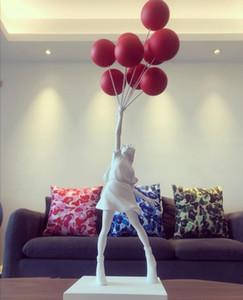 Nave de DHL! Lujosas estatuas muchacha del globo escultura de Banksy del vuelo de globos Girl Art 57cm Arte de la resina del hogar del regalo de Navidad Decoración