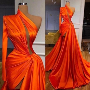 One Shoulder Designer Evening Dresses 2021 Side Slit Pleats Sexy Party Prom Gowns Long Sleeve Red Carpet Dress