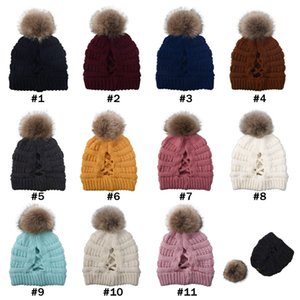 Cross Pom Pom crâne Ponytail Beanies 11 couleurs Beanies hiver chaud Bonnet Femmes Ski Cap CYZ2843