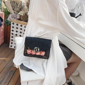 Fashion Women's Cute Clear Plastic Tote Bags Transparent Inside Handbag Button Bag Ladies 4 Pigs Transparent Purse PVC Padid