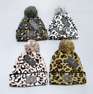Men women's winter beanie men hat casual knitted caps hats men sports cap black grey white yellow hight quality skull caps D977