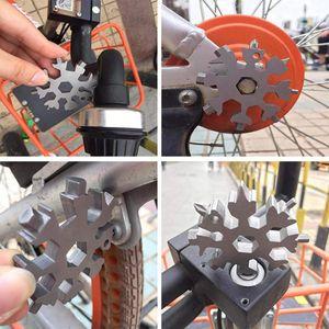 18 em 1 floco de neve Multi-Ferramenta de aço inoxidável Multitool Cartão Mini chave de fenda Chave Garrafa Cadeia Opener Key para Outdoor sobreviver acampamento E102902