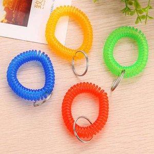 Estensibile a spirale polso bobina Key Tag molla di plastica della mano Anello Garment Tag Wrist Band Portachiavi