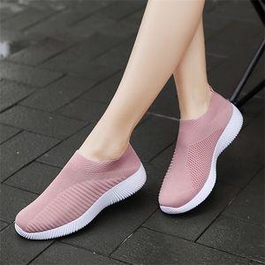 Moipheng 2020 Vulcanized Sock Sneakers Summer Slip On Shoes Women Plus Size Loafers Walking Flat Q1104