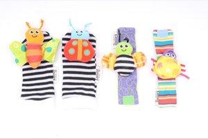새로운 도착 sozzy 발 찾기 장난감을 Lamaze 봉제 손목 딸랑이 + 발 아기 양말을 흔들어