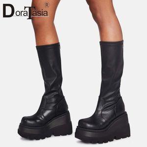 DORATASIA Big Size 35-43 Markendesign-Dame-Plattform-Aufladungen Art und Weise Reißverschluss-Absatz-Aufladungen der Frauen 2020 Keil-Schuhe Frau C1011