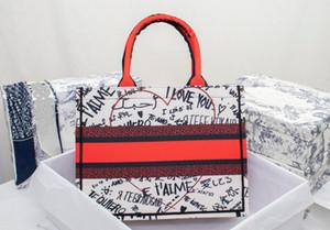2020 Nuevo bordado de lujo Mini Totes Alta Calidad París Diseñador Bolsos Moda Retro Estilo étnico Bordado Patrón Bolsa de Compras