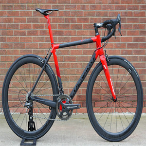 Kırmızı Colnago C64 Karbon Yol 105 R7010 R8010 ile tamamlayın bisiklet groupset 50mm Teker