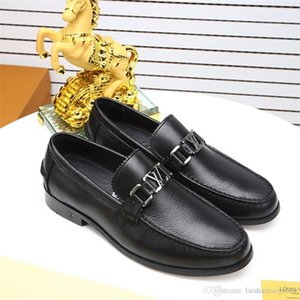 Hot selling 2020 Mens Luxury Dress Shoes Leather Casual Loafers Gentleman Slip on Flat Oxford Shoes 38-45 Size