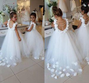 2021 Blumenmädchen Kleider für Hochzeiten Scoop Rüschen Spitze Tüll Perlen Backless Princess Kinder Hochzeit Geburtstag Party Kleider BA9835