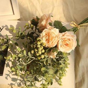 Salon Table basse décorée avec vent Eucalyptus Rose Bouquet Bouquet Gamme Hydrangea Fleurs Bunch Fête de mariage Cadeau Ed