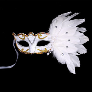 Masquerade sexy maschera di piume donne del fronte mezzo multi colore principessa mascherina mascherine di Halloween piuma pizzo piuma di nuovo stile Mini Maschera DHE1435