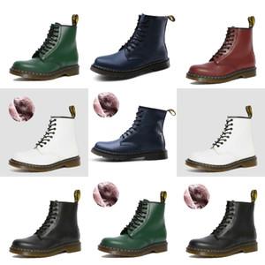 Grossiste Livraison gratuite usine Prix Hot Vendeur court Bottes plates Femmes Boot Lace Up Lady Martin Femmes Boot # 895