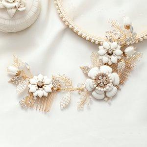 Ailibride Neue Keramik Blume Kristall Hochzeit Haarkämme für Braut Kopfschmuck Tiara Gold Farbe Handgemachte Hochzeit Haarschmuck W0104