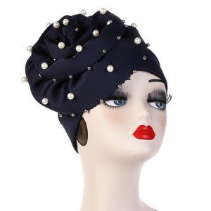 Bonnet / Casquettes de crâne Vente européenne et américaine Tam-Shanter grand fleur Nail perle Muslim Toque Solide Color Color Chapeau Spot Hijab