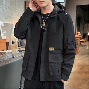 Человек Инструментальное вскользь способа куртки корейской версии с длинным рукавом на молнии с капюшоном Верхняя одежда Дизайнер Мужской Winter New Сыпучие Карманный Войлок Coat