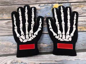 2020 Unisex Women e Mens Gloves Street New Fashion Winter Gloves Halloween Speciale Guanti da touch screen a maglia ad alta densità ad alta densa