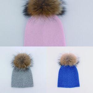 100% Myfur Angora Matériel ordinaire de style crochet Kid Bonnet bébé Hat garçons avec le Real fourrure de raton laveur Pom ZCFK