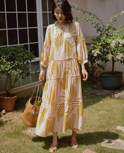 2020 Elegant vintage printed puff sleeve dress European seaside holiday V-neck loose layered large fairy dress