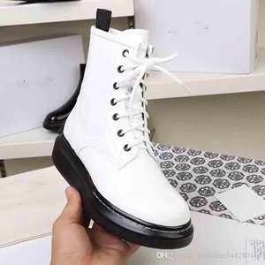 2019 Super Hot Designer Martin Boots, Star Show Tie Leather Boots, Shop Sale Boots Synchronized