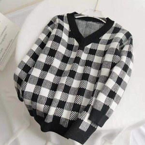 Fashion Week Women Sweater Fall Winter Women V neck White Black Plaid Loose Pullover Runway Sweater Knitted Ladies Jumper 201006