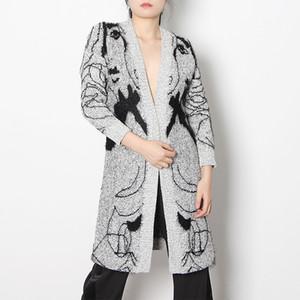 Design Sense 2021 Spring New Fashion V-neck Long Print Cardigan Loose Bat Sleeve Sweater 5213 Design