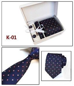 Ozyc novo projeto de Natal personagem para mulheres festivais masculinos moda gravatas Halloween gravata caixa softer designer gravata gravata presente