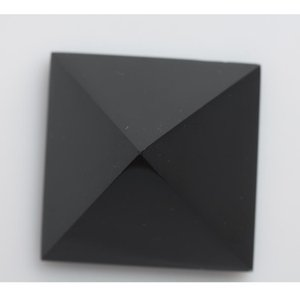 Decorazioni in cristallo HJT Nunatak Ossidiana Piramide naturale all'ingrosso Piramide di quarzo 178g Reiki guarigione di cristallo 5,6 centimetri nero bbyrf yh_pack