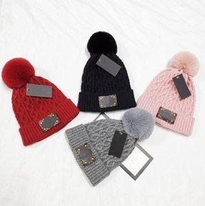 Mujer de marca de punto Beanie sombrero de invierno de mujeres de lana de piel de mapache Pompón Sombrero Vogue Caliente Casual Skullies Gorros Sólido señora casquillo de los sombreros