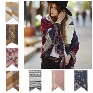 Frauen Wollschal Cardigan 200 * 67cm Patchwork Plaid Poncho Quaste Winter warme Decke Mantel-Verpackungs-Schal Outwear Mantel Partei-Bevorzugung RRA3688