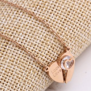 Fashion-2020 New Plated 18K Rose Gold Necklace Heart-shaped Key Diamond Titanium Steel Clavicle Necklace Ladies Korean Accessories