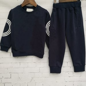2019 Yeni Klasik Lüks Tasarımcı Bebek T-shirt Ceket Pantolon İki Pep 2-9 yaşında Oldu Takım Çocuk Moda Çocuk 2 adet Pamuk Giyim Setleri RT