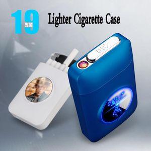Erkekler için USB Elektrik Çakmak Logo Özel 19PCS Sigara Tutucu Plazma Ark Gadget'larıyla Yeni Metal LED Kapasite Sigara Tabakası Şarj edilebilir