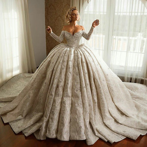 Modest Ball Gown 2021 Wedding Dresses Off the Shoulder Long Sleeves Lace Beaded Bridal Gowns Vintage Plus Size Satin robes de mariée