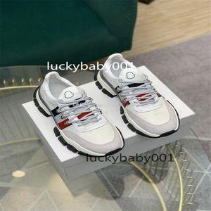 Moncler 2021 Monclair Alta Qualidade Italiana Mens Hi Top Sneakers Itália Triple S Couro Plataforma de lona Preto Branco Casual Loja Laces Sapatos