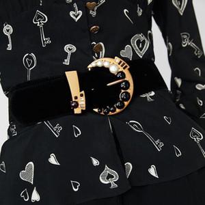 Wunderschöne schwarze Samt-Leder-Bauch-Taille-Kettengürtel mit schwarzem und weißem Kristallkleid Körper Schmuck für Frauen Retro Body Chain-Sammlung