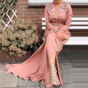 Pink Moroccan Caftan Evening Dress 2021 Long Sleeves Islamic Dubai Saudi Arabic Formal Evening Dress Appliques Abaya Prom Dress