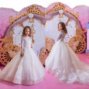 2021 Modest Off Shoulder Long Sleeve Flower Girl Dresses Bow Lace Applique Floor Length Wedding Party Tulle Ruffle Bow Princess Girl Dress