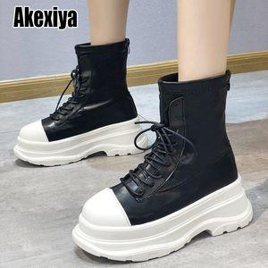 Сапоги женские армейские боевые лодыжки женщина охватывает обувь готический платформенный кожаный кожаный каблуки мода botas mujer p686