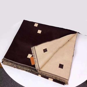 Foulard hommes célèbres New hiver Femmes chaud luxe Foulard Femme Mode Tricoté Blanket écharpe Nouveau 2 Couleur côté du cou automne chaud Homme Echarpes