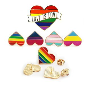 Badge Rainbow Broche Badge Diy Love Fashion Coeur en forme d'or Plaqué Or Coup de goutte Délicat Portable Accessoires Ornements Vente chaude 3FK M2