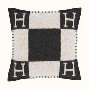 2020 marca la moda Smelov carta funda de lana de la vendimia H europeo cubiertas cubierta de la almohadilla de lana de fundas de almohada tiro de lujo 45x45cm